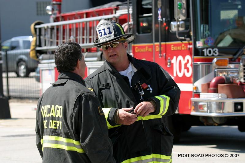 20070430-chicago-fire-haz-mat-monroe-aberdeen-03
