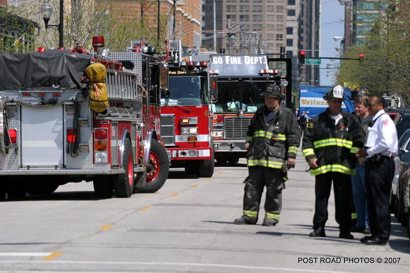 20070430-chicago-fire-haz-mat-monroe-aberdeen-01