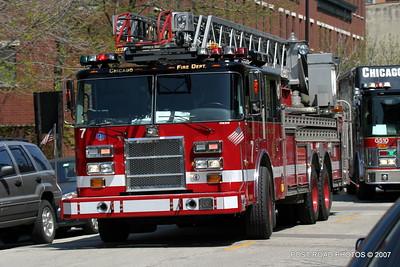 20070430-chicago-fire-haz-mat-monroe-aberdeen-06