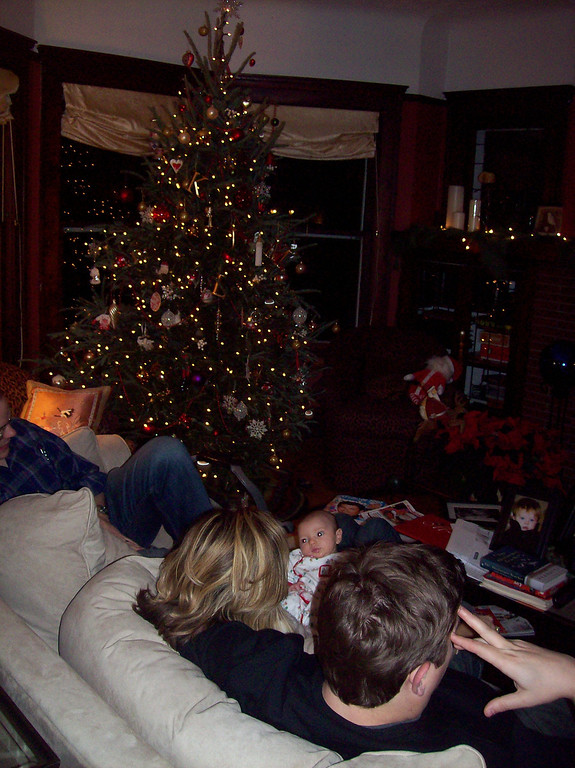 "<span style=""color:#ff3388"">Christmas in Cleveland with the Kids 2007</span>"