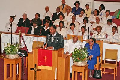 Elder Thermond Herring address those gathered for the dedication of Mt. Carmel Church.