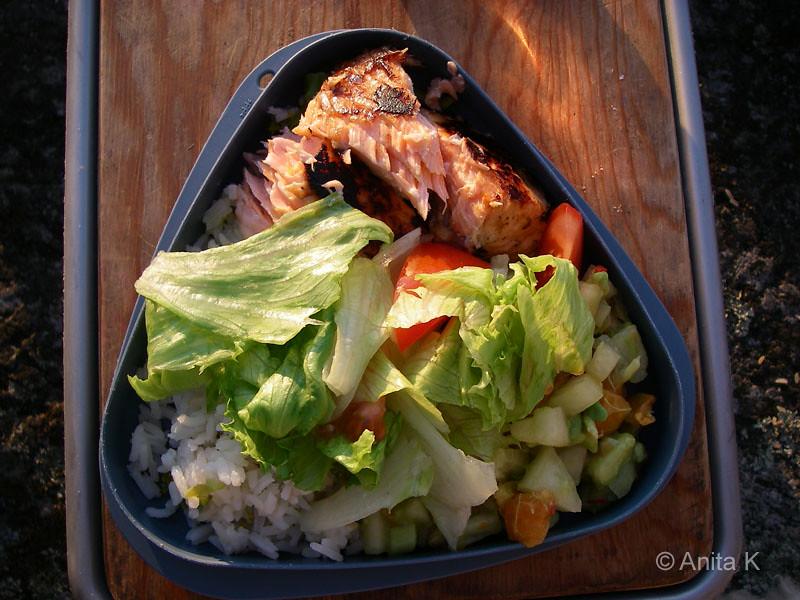 Lax och ris, avokadosala och sallad ala Anja