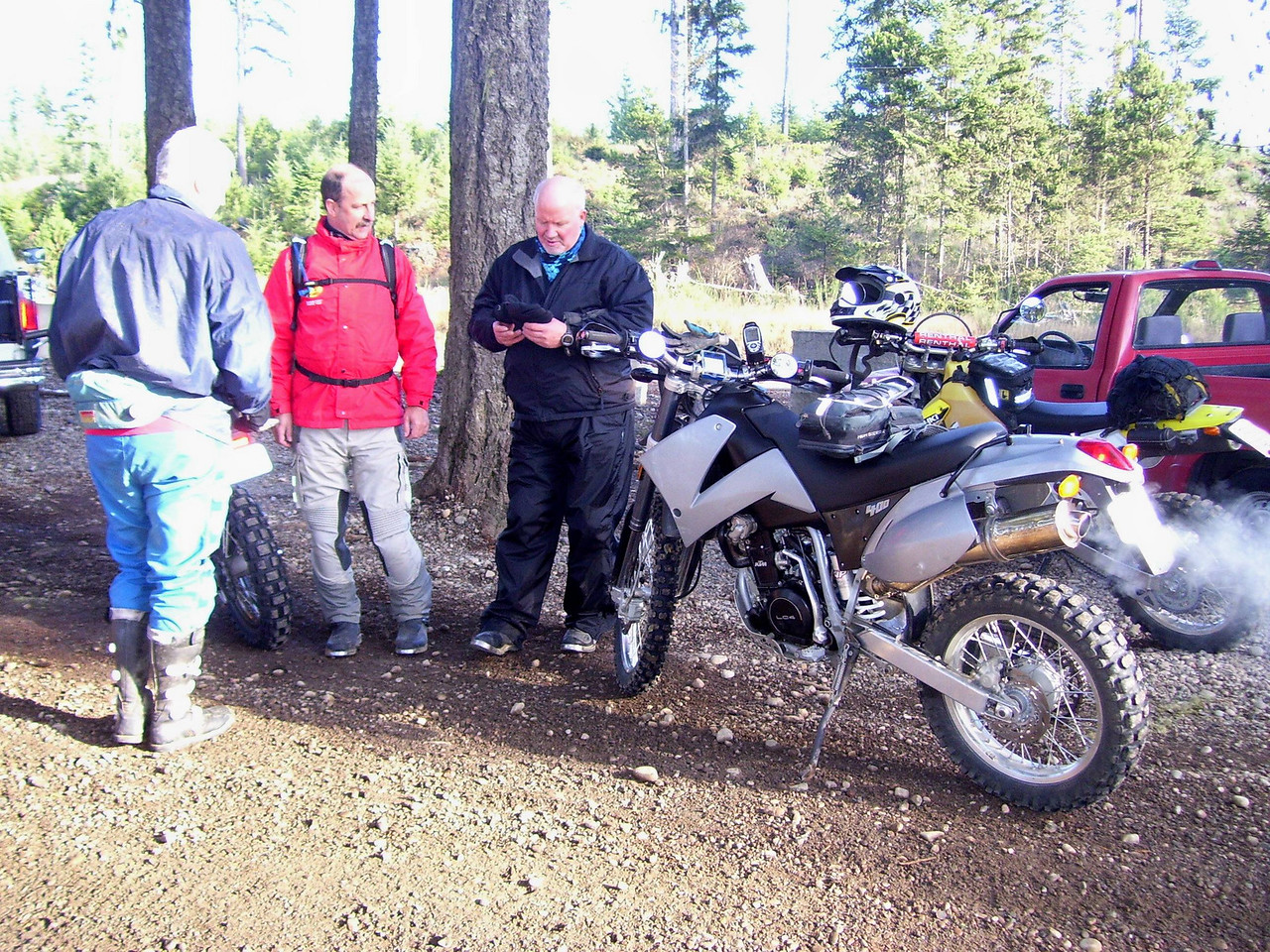 We started from the Sand Hill Gravel Pit. That's the new (to me) KTM 400. Tod is ridding an X - Challenge, Paul a DRZ 400, and Bill an '85 Honda XR 350R.