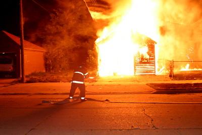 2007-july-detroit-garage-fire-13303-promenade-02 (83548734)