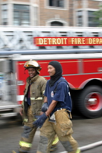 2007-july-detroit-fire-3rd-alarm-59-seward-wellington-place-16 (83454206)