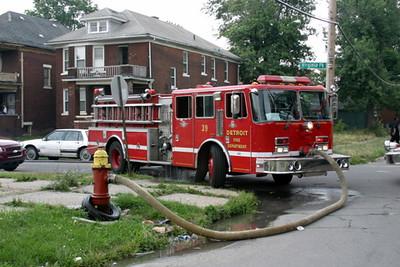 2007-july-detroit-house-fire-virginia-park-34 (83413186)