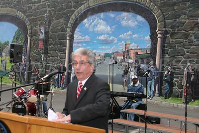City of Newburgh Mayor Nicholas Valentine gives the welcome address.