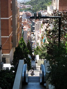 Sidewalk leading to Park Güell