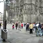Xylophone players perform Henry Mancini's The Pink Panther Theme in front of Dom (Cologne Cathedral)