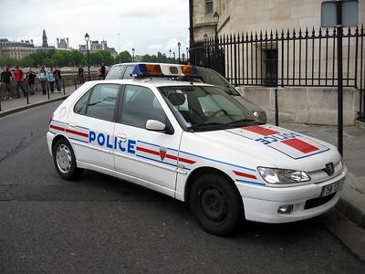 Police car in Paris