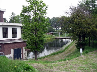 This polder, maintained by the Rijnland District Water Control Board, keeps the water at six meters below sea level