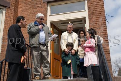 Habitat President Moacyr Calhelha welcomes everyone at Corrales family dedication