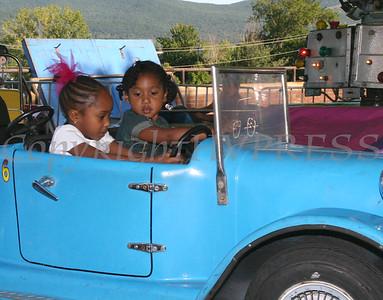 Oliva and Mya Jacobs enjoy a car ride