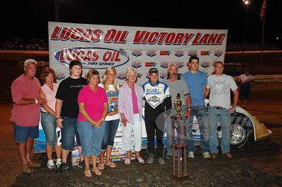 Steve Casebolt with the Ralph Latham Family