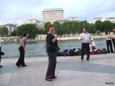 Line dancing in Paris