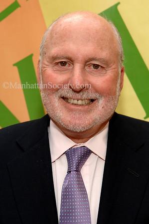 """Michael Lynne  (Board Member)  <a href=""""http://www.newline.com/about/lynne.shtml"""">http://www.newline.com/about/lynne.shtml</a>"""