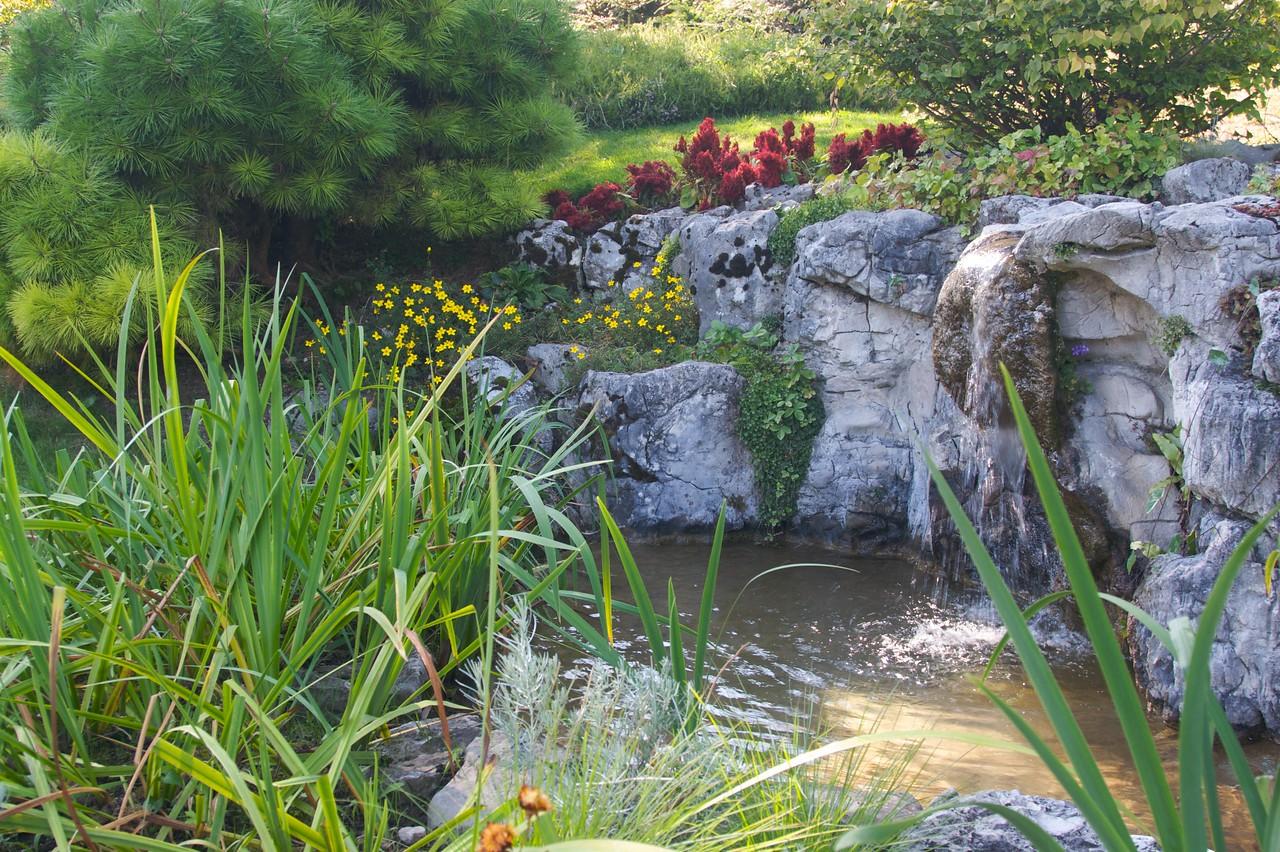 Fountain • A fountain in Nyon.