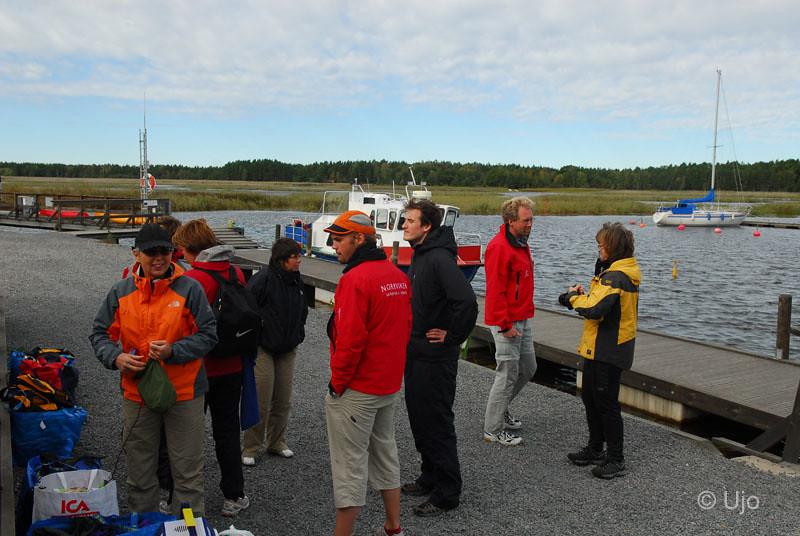 Så vi fick efter kontakt med Lurö löfte om båttransport.
