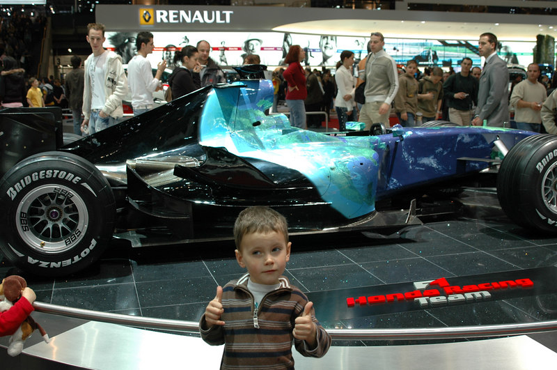 Two thumbs up for this speedster at the 2007 Geneva International Auto Show