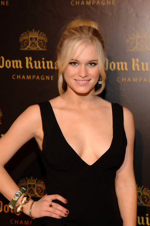 "Heaven must be missing an angel. <a href=""http://www.levenrambin.com/"" target=""_blank"">Leven Rambin</a>"