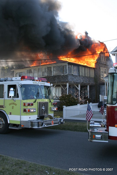 20070329-milford-connecticut-house-fire-104-beach-ave-post-road-photos-004