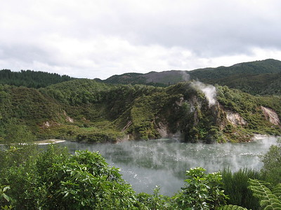 Waimangu Volcanic Valley vapors - Leslie Rowley