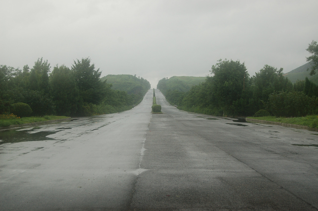 Pyongyang-Seoul motorway (deserted)