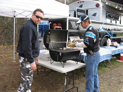 JC & P-Dad Oyster Roast on the Kingsford grill