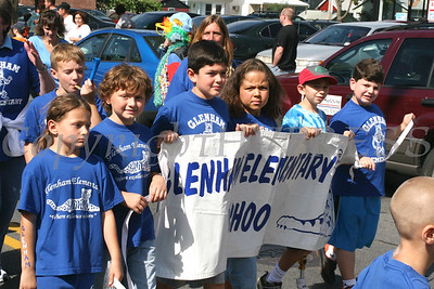 Glenham Elem School march in the 30th Annual Spirit of Beacon Day Parade and Festival on Main Street in Beacon, New York, held September 30, 2007. Chuck Stewart, Jr./ HUDSON VALLEY PRESS