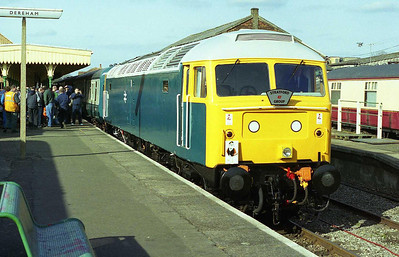 In glorious Spring sunshine, 47596 waits to depart from Dereham with the 1500 to Wymondham Abbey. The loco clocked up an impressive 110 miles during the course of the day (16/03/2007)