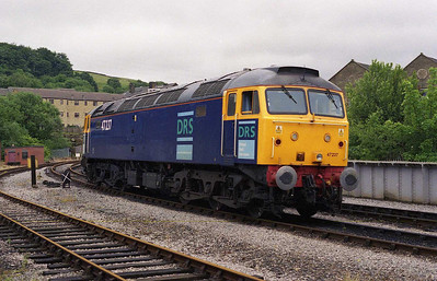 Later that afternoon, 47237 is seen running round at Keighley before working the 1545 to Oxenhope on the first day of the KWVR's Diesel Gala (15/06/2007)