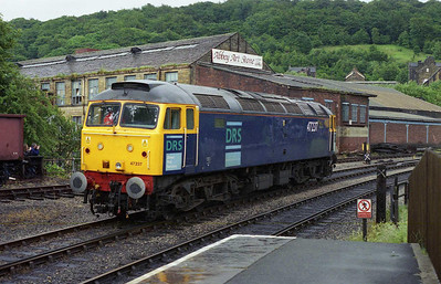 Making its first appearance on a passengers train in over a decade, DRS' 47237 waits to depart from Keighley with the 1115 to Oxenhope (15/06/2007)