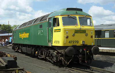 The sun had come out by the time I took this view of 47270 at Wansford after returning with the 1200 from Peterborough (08/07/2007)