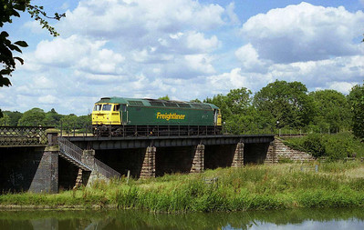 47270 waits on the River Nene bridge at Wansford before taking over the 1430 to Peterborough (08/07/2007)
