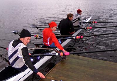 Arne, Janne, Steffen og Are inn mot brygga
