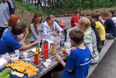 Sommeravslutning med grilling for roskolen