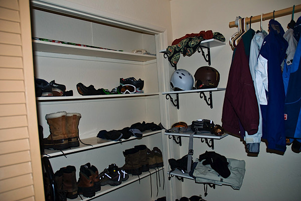 The laundry room had a place for all our boots, equipment and jackets to drive off. It was sweet