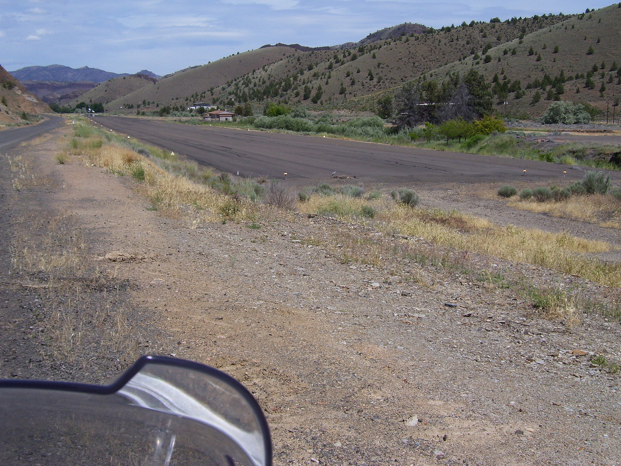 4000' runway on Muddy Creek South of Antelope