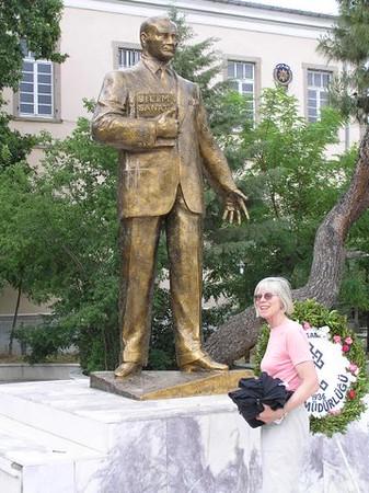 Winky and Ataturk - Bernie van der Hoeven