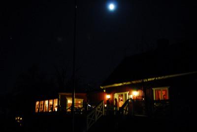 Fullmånen lyste över Finnhamn denna natt