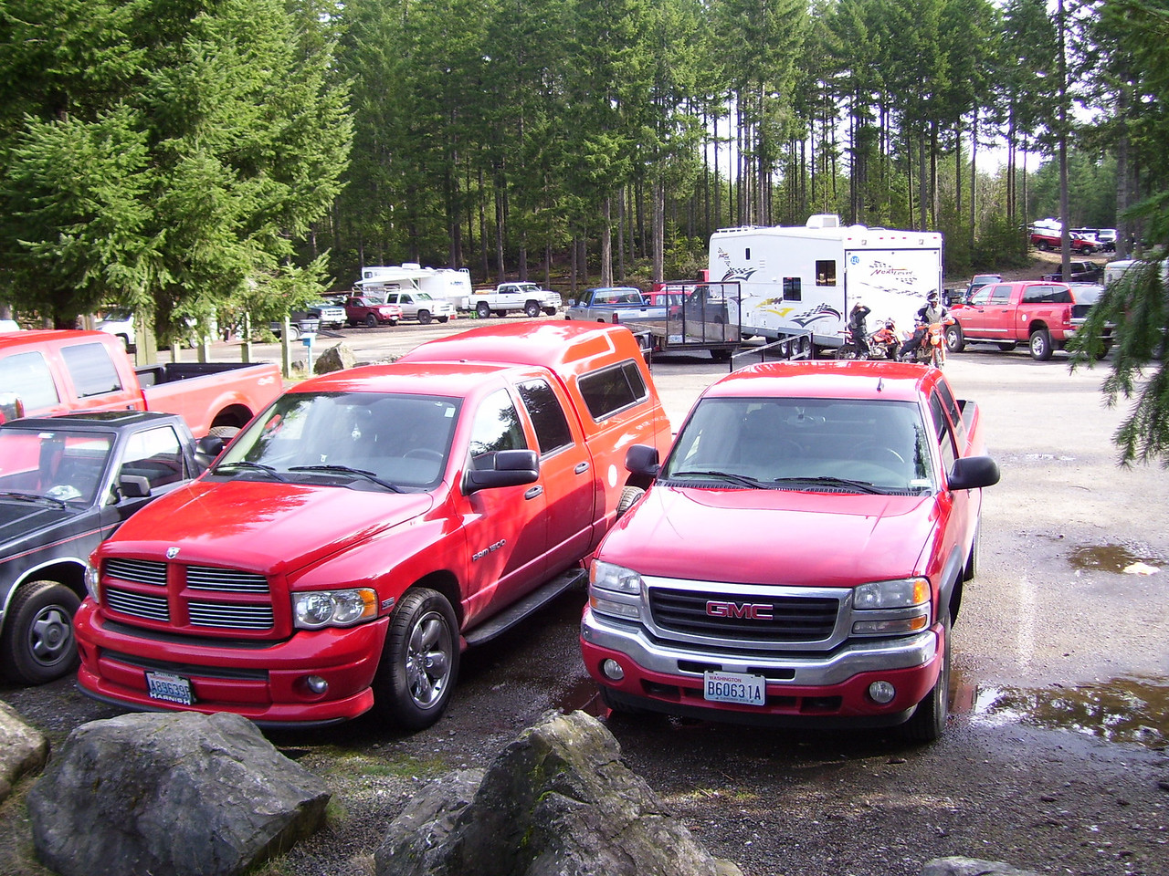 Sunday parking problems at the Tahuya Stagging Area. But where we go none others dare follow!
