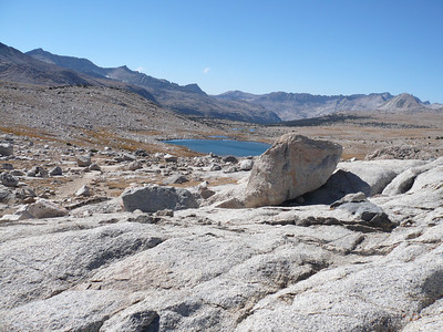 Top of Piute pass and summit lake