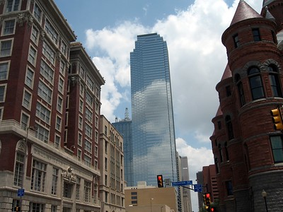 View down Main Street, between the Dallas County Criminal Courts Building and Old Red.  Note the contrast between the historic buildings in Dealey Plaza and the modern architecture elsewhere in downtown Dallas.