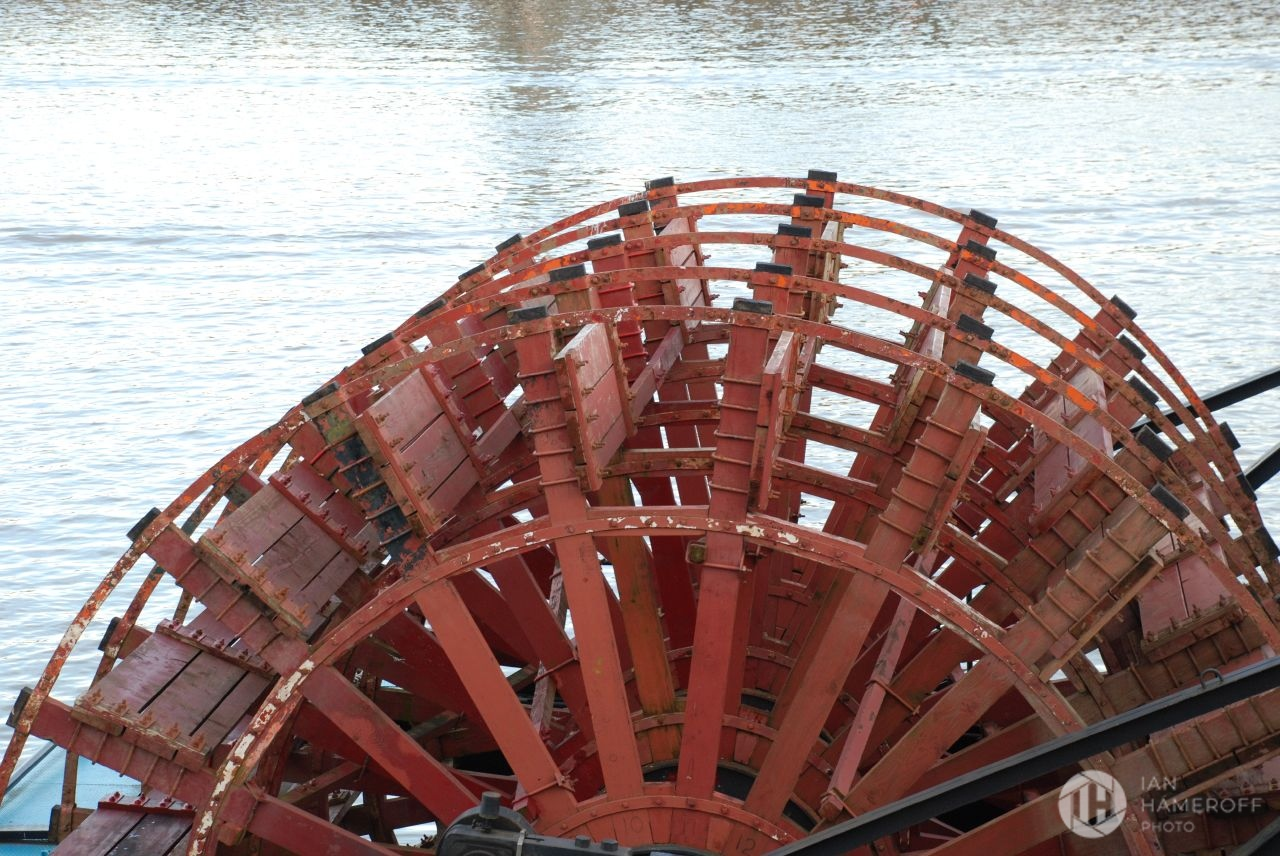 Water Wheel on the Willamette