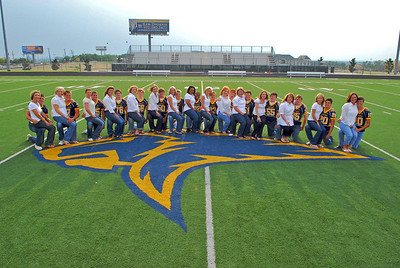 2008 - Sr Football Players and Moms