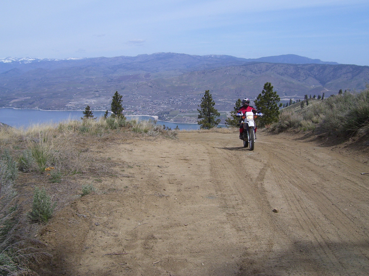 Running up to the top of Chelan Butte