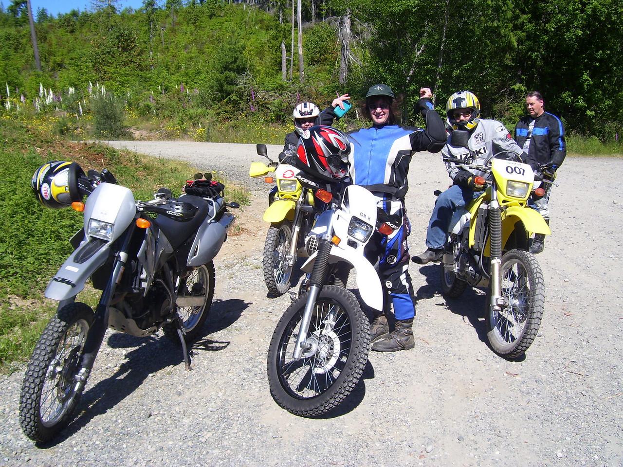 Near Mason LaKe. Cheryl, Supersyl, 007 Jimmy, & Marty