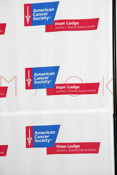 80014223SM028_Hope_Lodge_NY