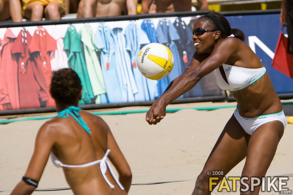 Annette Davis passes the ball