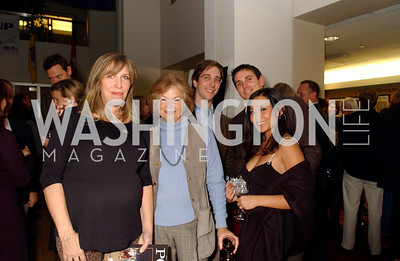 Laurie Schaefer, Carole Stadfield, Carter Rose, Jason Goldberg , Victoria Bautista (James R. Brantley)